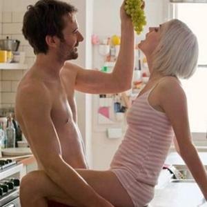 Чем можно дома потрахаться секс, порнуха скрытый камерой старик трахаит маладушек